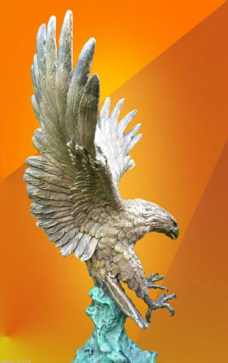 SUPERB LARGE COLD PAINTED EAGLE HOT CAST, PURE BRONZE STATUE